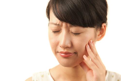 歯が痛い画像