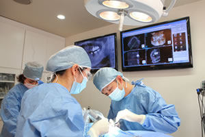 インプラント埋入手術